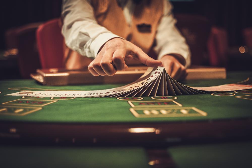 в какой онлайн покер можно играть в россии